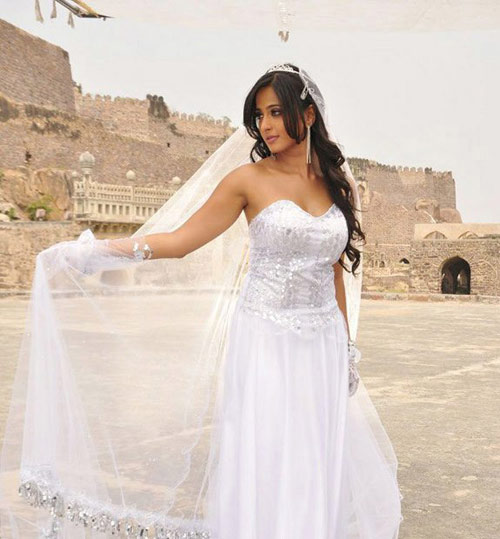 hot heroines in white outfits photos 4 Actress Hot Photos in White Dress