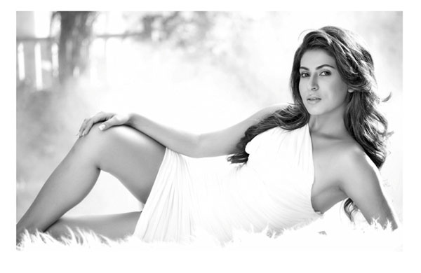 actress mansha bahl hot photo shoot photos 1986 Actress Mansha Bahl Hot Photo Shoot Photos