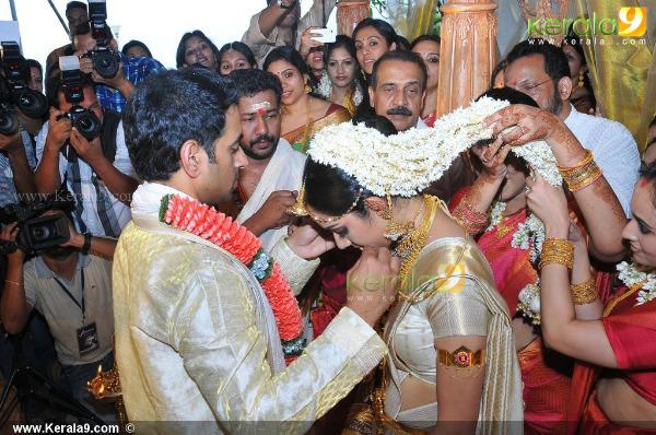 samvrutha sunil wedding photos 05 Actress Samvrutha Sunil Wedding Photos