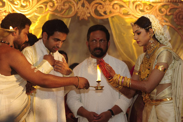 samvrutha sunil wedding photos 07 Actress Samvrutha Sunil Wedding Photos