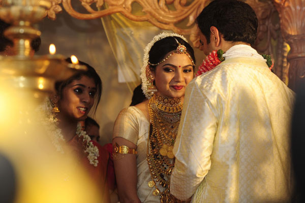samvrutha sunil wedding photos 09 Actress Samvrutha Sunil Wedding Photos