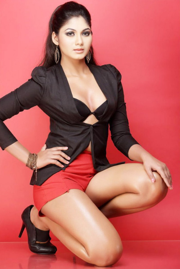 shruthi reddy latest hot in red 1 Actress Shruthi Reddy Hot Photoshoot Stills in Red Shorts