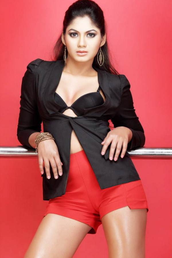 shruthi reddy latest hot in red 5 Actress Shruthi Reddy Hot Photoshoot Stills in Red Shorts