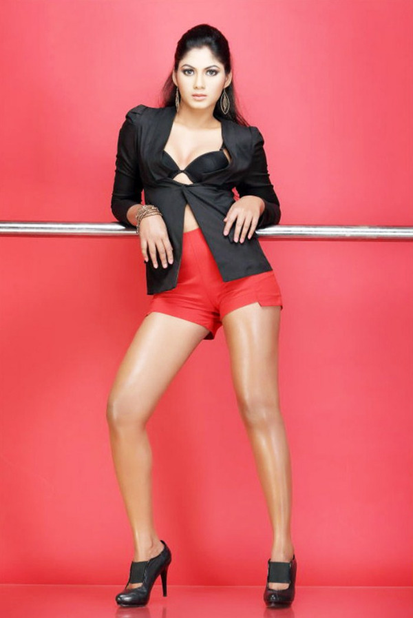 shruthi reddy latest hot in red 8 Actress Shruthi Reddy Hot Photoshoot Stills in Red Shorts