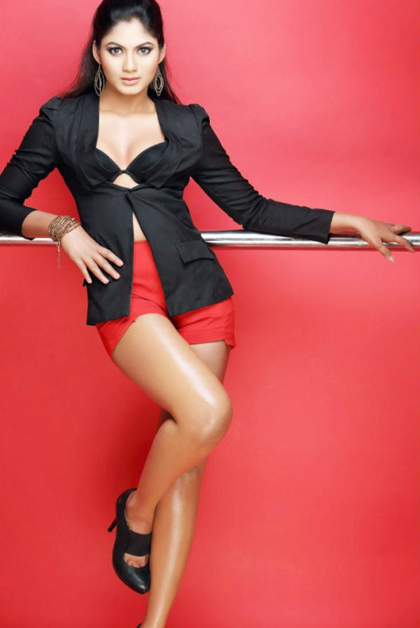 shruthi reddy latest hot in red Actress Shruthi Reddy Hot Photoshoot Stills in Red Shorts