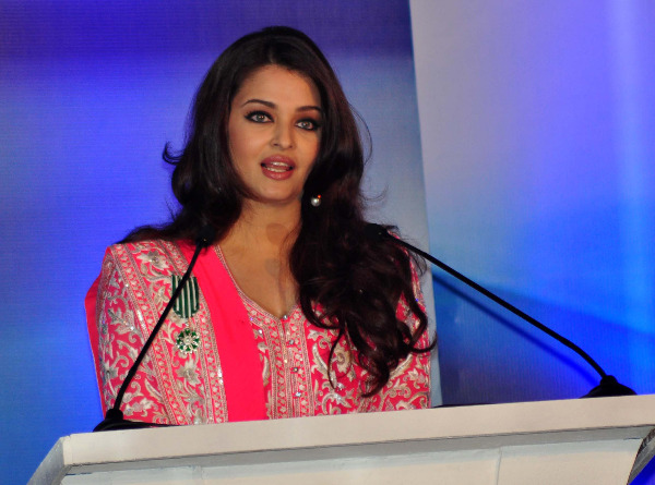 aishwarya rai at french embassy photos 13 Aishwarya Rai Photos At French Embassy