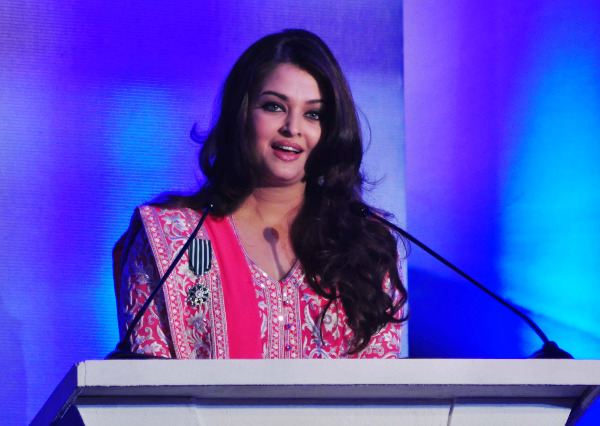 aishwarya rai at french embassy photos 14 Aishwarya Rai Photos At French Embassy