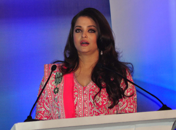 aishwarya rai at french embassy photos 15 Aishwarya Rai Photos At French Embassy
