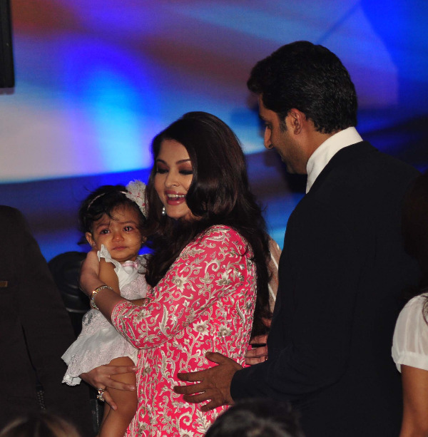 aishwarya rai at french embassy photos 18 Aishwarya Rai Photos At French Embassy