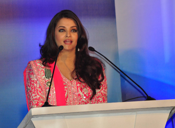aishwarya rai at french embassy photos 19 Aishwarya Rai Photos At French Embassy