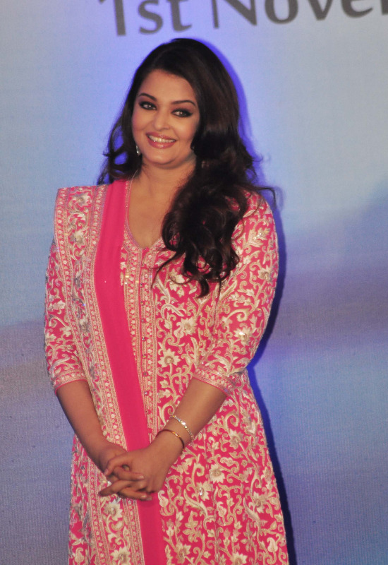 aishwarya rai at french embassy photos 2 Aishwarya Rai Photos At French Embassy