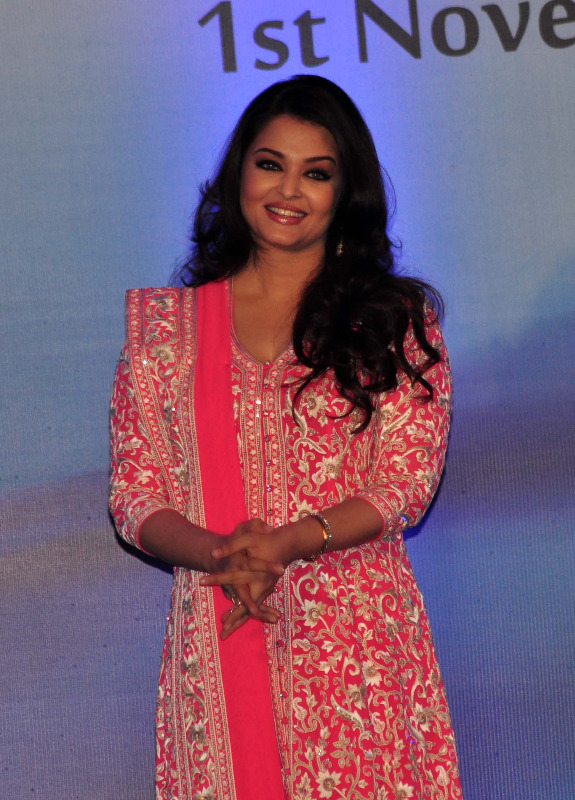 aishwarya rai at french embassy photos 6 Aishwarya Rai Photos At French Embassy