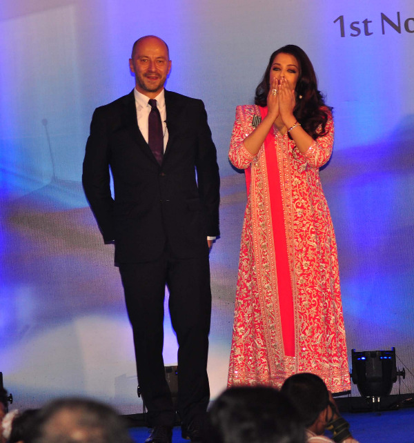 aishwarya rai at french embassy photos 9 Aishwarya Rai Photos At French Embassy