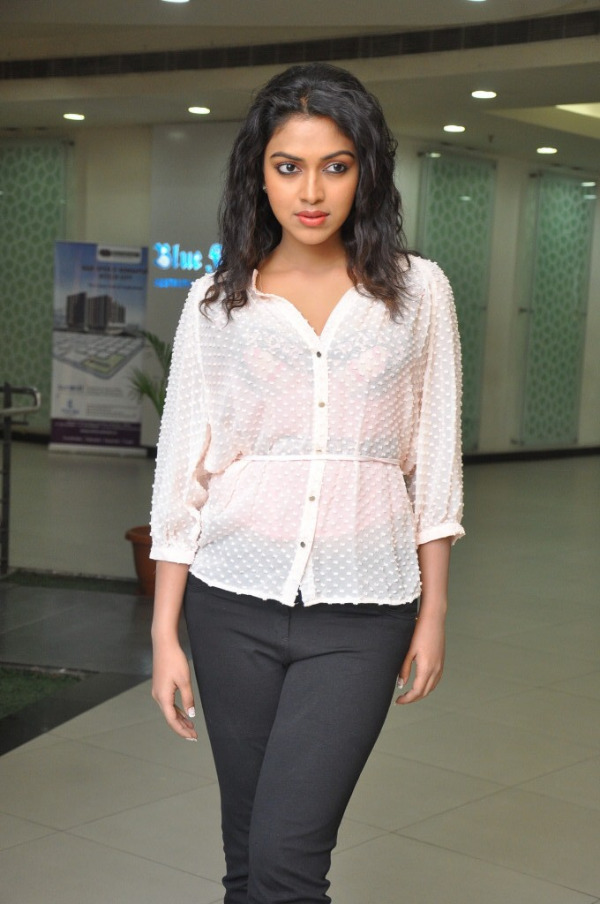 amala-paul-latest-photo-gallery-11