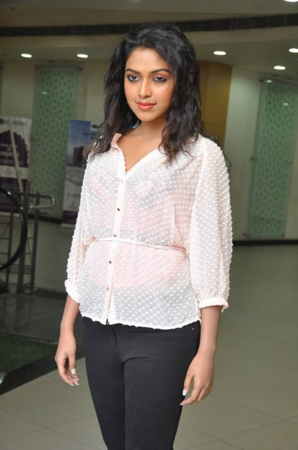 amala-paul-latest-photo-gallery-12