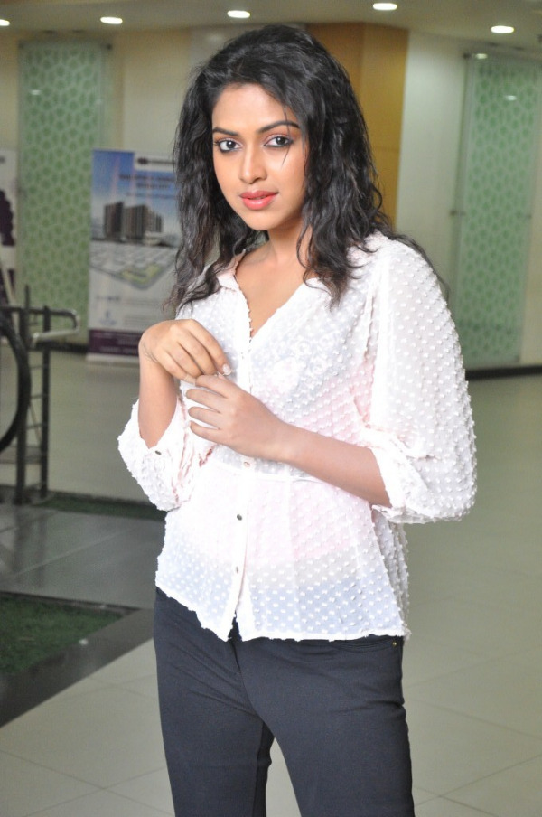 amala-paul-latest-photo-gallery-24