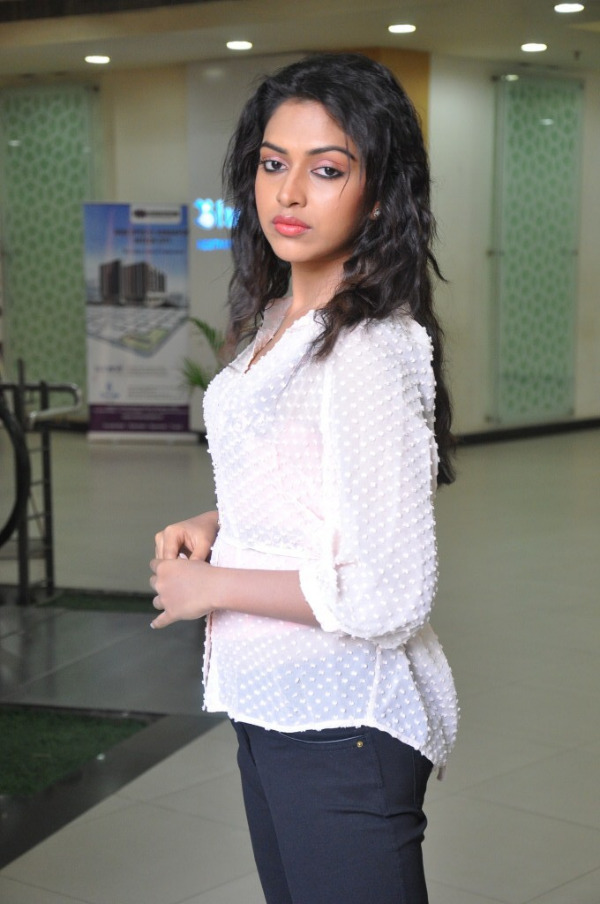 amala-paul-latest-photo-gallery-27