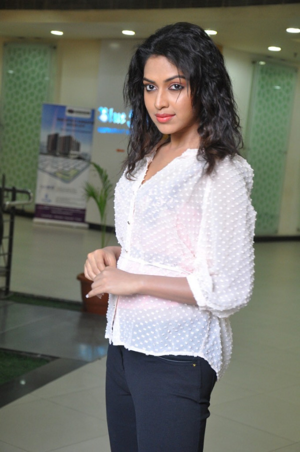 amala-paul-latest-photo-gallery-28