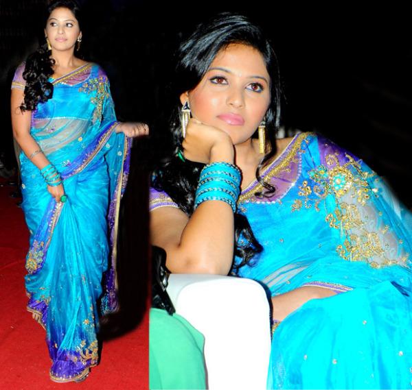 anjali saree stills at svsc audio launch 1 Anjali Hot Photos At SVSC Audio Launch