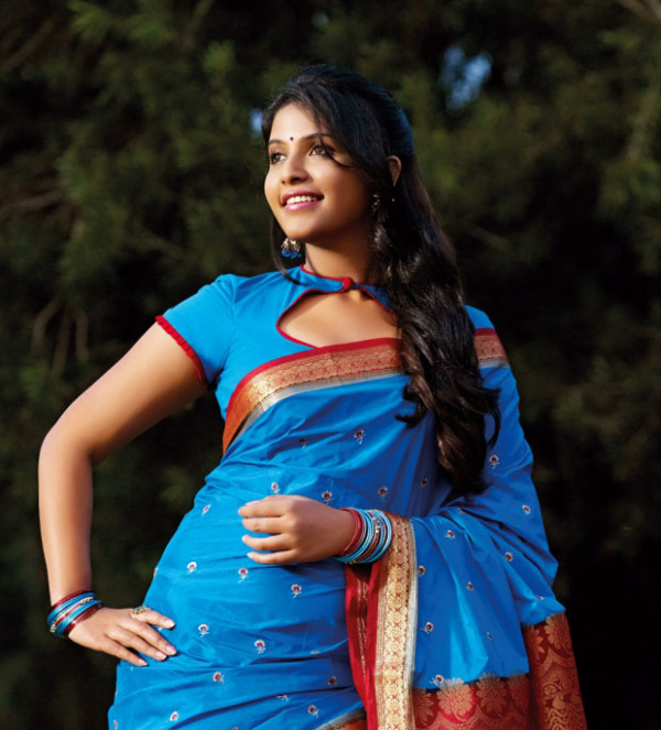 Download Popular Wallpapers 5 Stars: Anjali Latest Photo