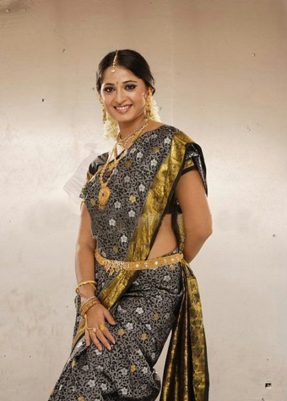 anushka latest hot photos 04 Anushka Latest Hot Photos