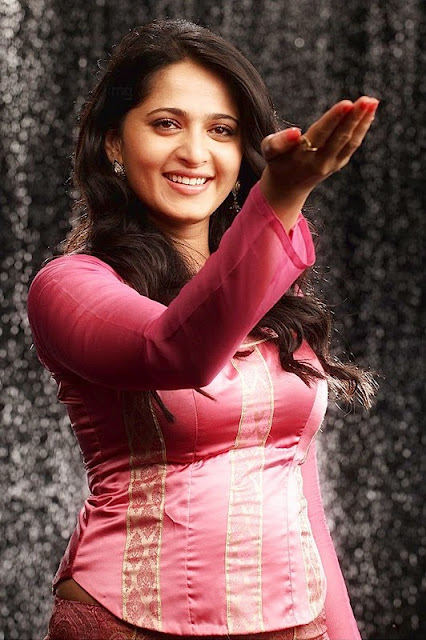 anushka latest hot photos 21 Anushka Latest Hot Photos