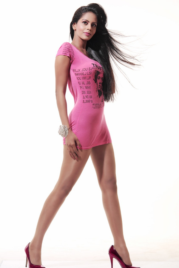 bhairavi-goswami-lassy-legs-02