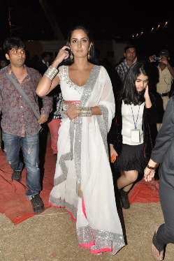 top-bollywood-celebs-at-umang-2013-photos-12