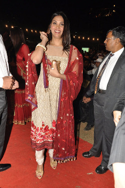 top-bollywood-celebs-at-umang-2013-photos-15