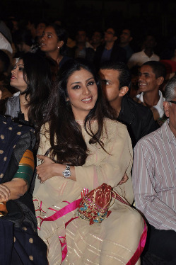 top-bollywood-celebs-at-umang-2013-photos-17