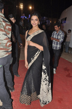 top-bollywood-celebs-at-umang-2013-photos-22