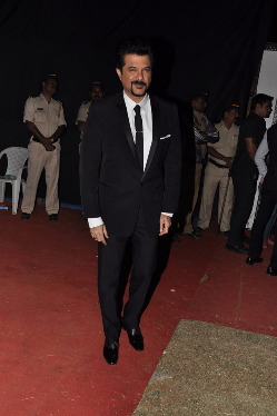 top-bollywood-celebs-at-umang-2013-photos-24