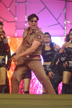 top-bollywood-celebs-at-umang-2013-photos-4