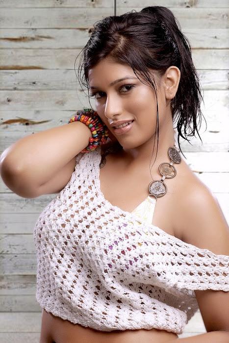 divya bhandari hot stills 05 Divya Bhandari Hot Stills