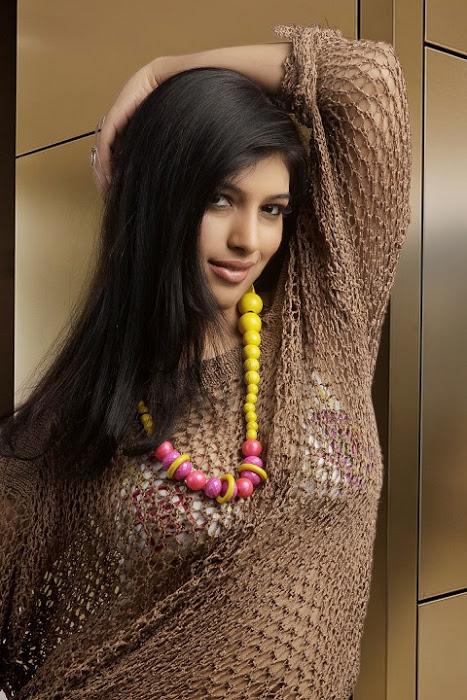 divya bhandari hot stills 11 Divya Bhandari Hot Stills
