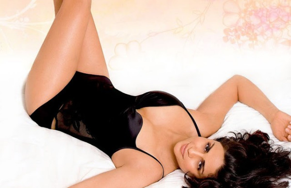 gul panag hot photos 06 Gul Panag Hot Photos