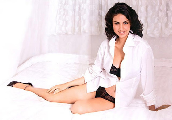 gul panag hot photos 11 Gul Panag Hot Photos