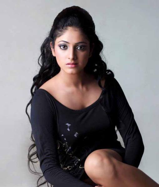 hari priya hot photo shoot 2 Hari Priya Hot Photo Shoot Photos