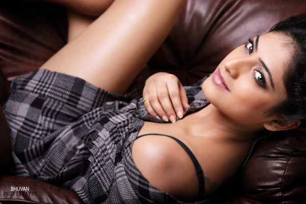 hari priya latest hot pics Hari Priya Latest Hot Pics