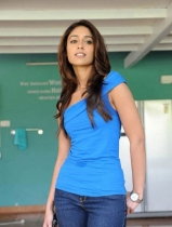 thumbs ileana latest hot image gallery 08 Ileana Latest Hot Images