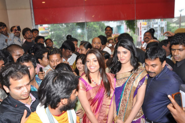 kajal and deeksha seth at kalamandir new store launch 1074 Kajal and Deeksha Seth at Kalamandir New Store Launch
