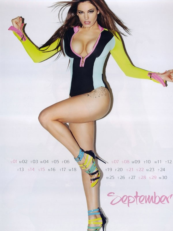 kelly brook 09 Kelly Brook Hot Calendar 2013