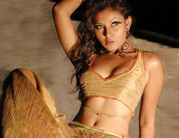 madhu shalini spicy photos 05 Madhu Shalini Spicy Photos