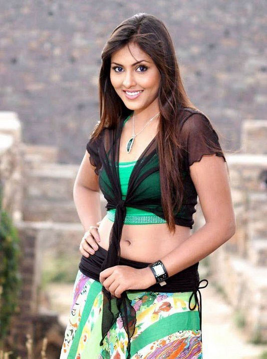 madhu shalini spicy photos 16 Madhu Shalini Spicy Photos