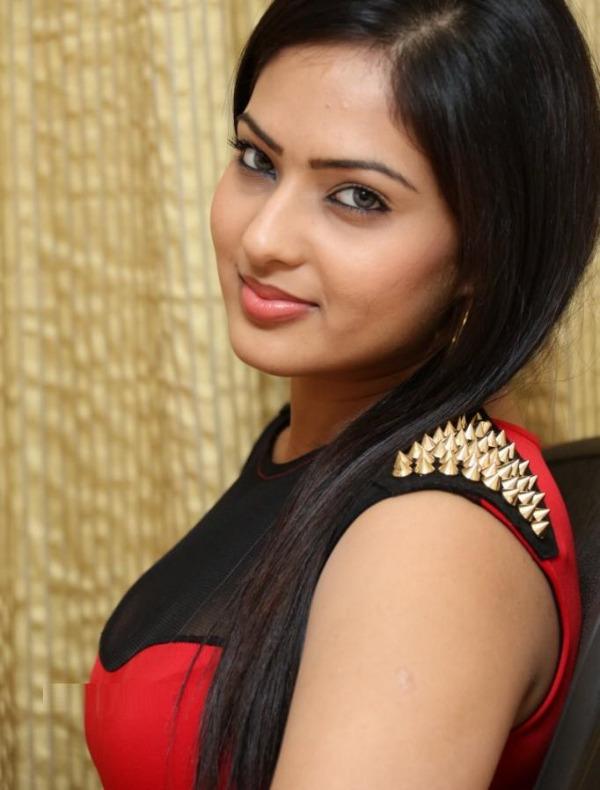 nikesha patel hot gallery telugunow com 05 Nikesha Patel Hot Photos Gallery