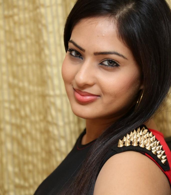 nikesha patel hot gallery telugunow com 08 Nikesha Patel Hot Photos Gallery