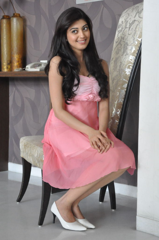 praneetha latest photo gallery 10 Praneetha Latest Photo Stills