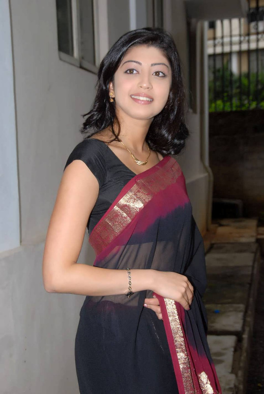 pranitha hot stills in saree 1 Pranitha Hot Stills In Saree