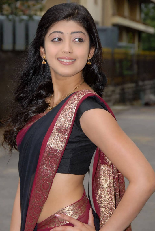 pranitha hot stills in saree 10 Pranitha Hot Stills In Saree