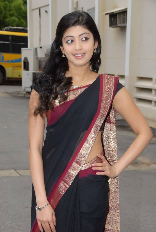 pranitha hot stills in saree 9 Pranitha Hot Stills In Saree